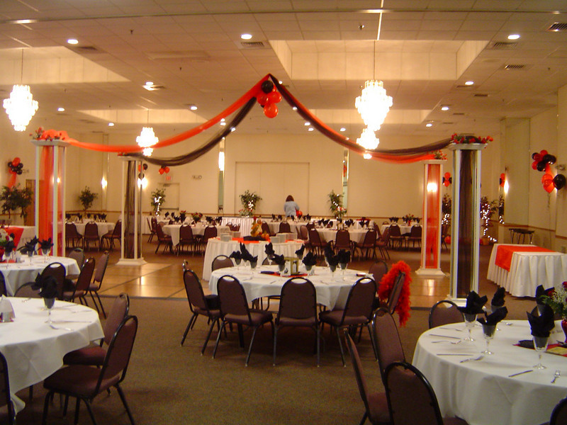 Red Black Dinner Dance Tulle canopy with a balloon center and red roses
